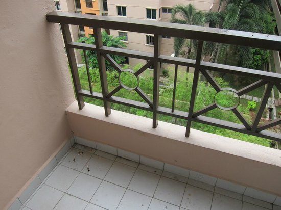 Silka Johor Bahru : Dirty balcony with cigarette butts