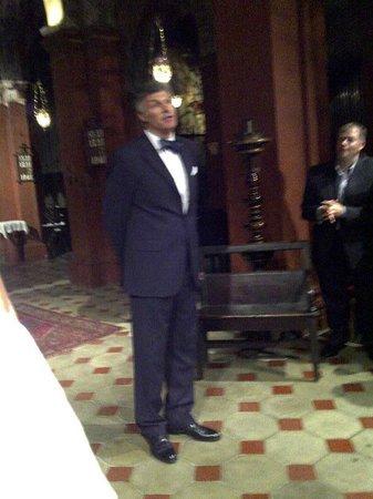 Opera at St. Mark's Anglican Church: Frans explaining the plots