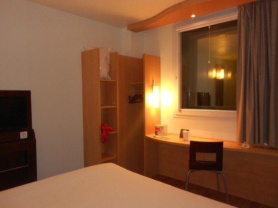 Ibis Barcelona Meridiana: room