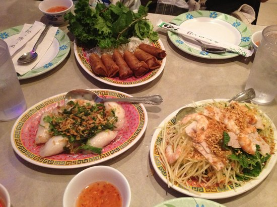 Bac Nam: Spring roll, Dumpling and Green Papaya salad