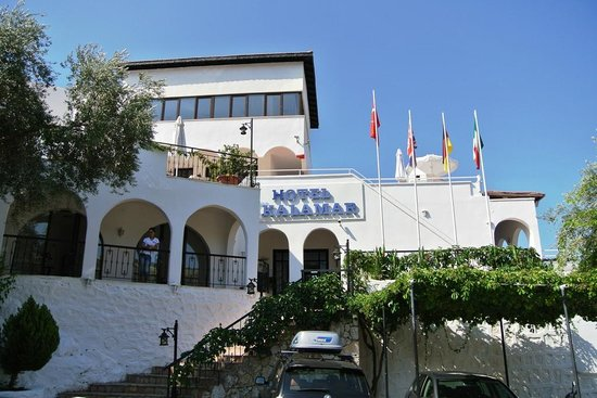 Kalamar Hotel : Approach to hotel