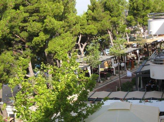 The Maritimo Hotel: Quiet promenade