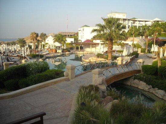 Hyatt Regency Sharm El Sheikh Resort: vista corpo centrale + piscine