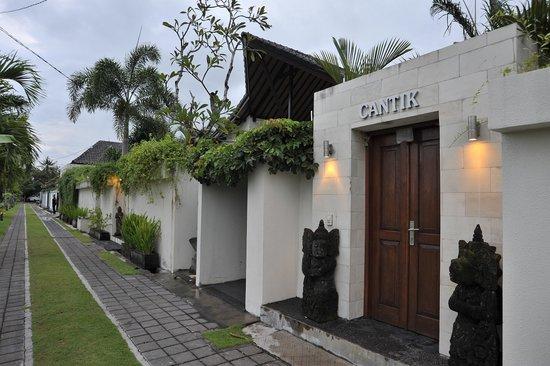 Rumah Cantik Bali at Legian/Kuta: Lane Way