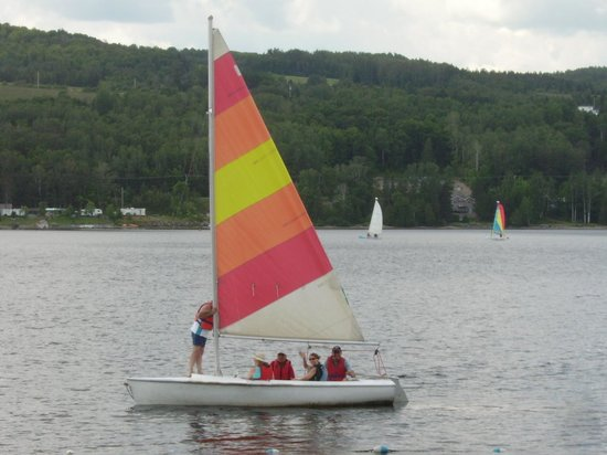 Pohenegamook Sante Plein Air 2.0 : Sailing on the lake
