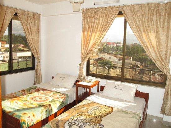 Zebra Hotel: Twin Bedroom
