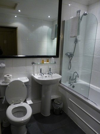 Best Western Glasgow City Hotel: Excellent bathroom