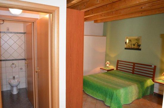 Casale Vacanze : Camera da letto //  Bedroom