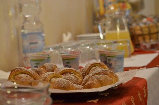Casale Vacanze : Colazione // Breakfast