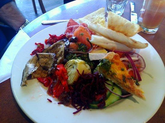 Leura Gourmet Cafe &Deli: The antipasto platter.