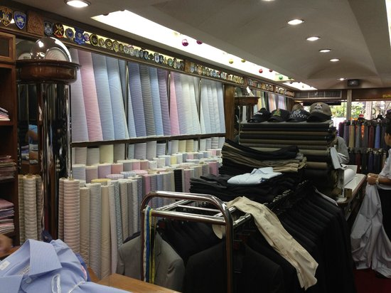 Rajawongse Clothier : Very  neat store with wide selection of fabrics