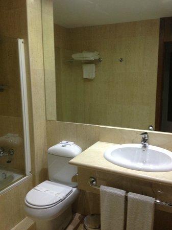 Amura Alcobendas Hotel: baño 2
