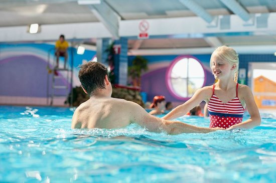 Thorpe Park Holiday Park - Haven: Indoor pool at Thorpe Park Holiday Centre