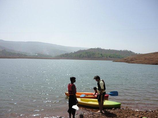 Nisarga Agro Tourism and River Camp: Rajeev learns to kayak - hotel arranged