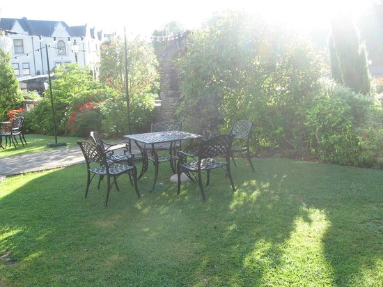 Muckross Park Hotel & Spa: Outside sitting area