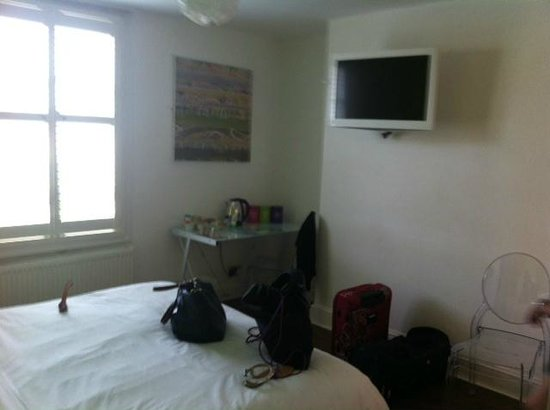 Limehouse: White tv to match the room! plus tea and coffee