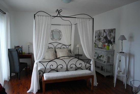 Les Cathelinettes: le lit