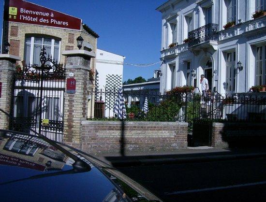 Hotel des Phares Logis: Wij waren in het witte gebouw midden-links, met de klimrekken.