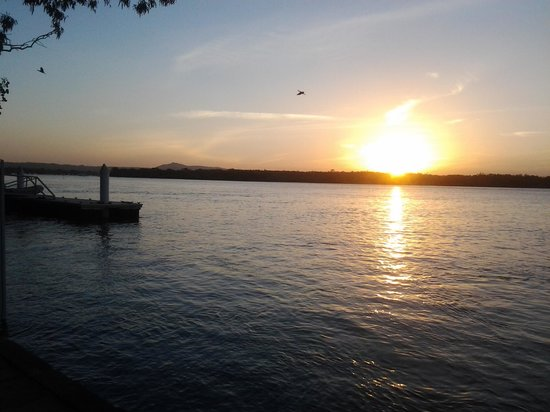 Noosa River Holiday Park : Sunset at Noosa River