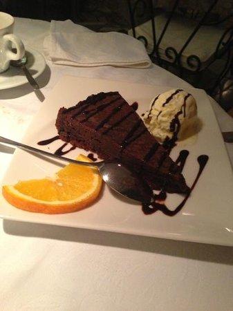 King Restaurant: chocolate cake!