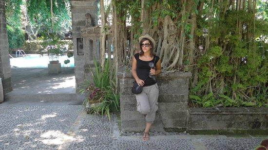 Hotel Puri Bambu: en allant à la piscine