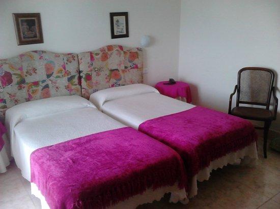 Hotel Rompeolas: Habitación