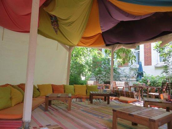 Podstel Bucharest: Outdoor Zen Room