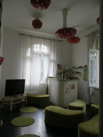 Doors Hostel: Indoor Bar