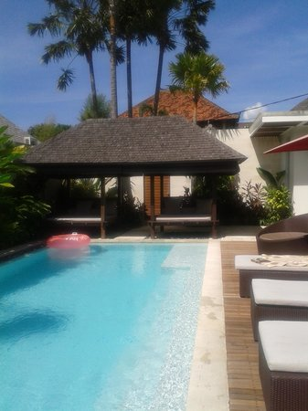 Chandra Luxury Villas Bali: Day time Villa 8 pool