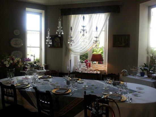 Le Petit Chateau : Tables somptueuses dressées avec goût