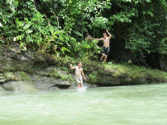 Drake Bay, Costa Rica: River fun.