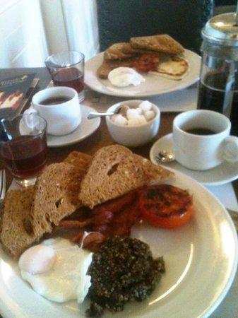 Kilmarnock Arms Hotel: Breakfast