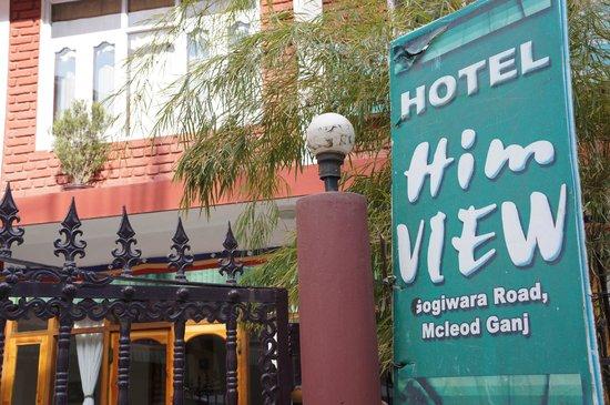8 Auspicious Him View Hotel Front