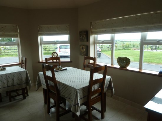 Bunratty Meadows Bed and Breakfast: breakfast room