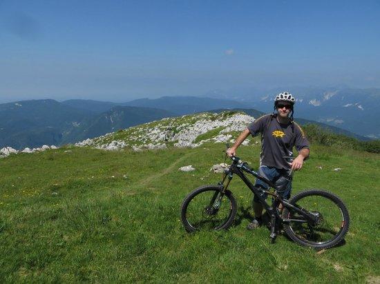 Mountain Bike Galaxy: me at the top of matajur