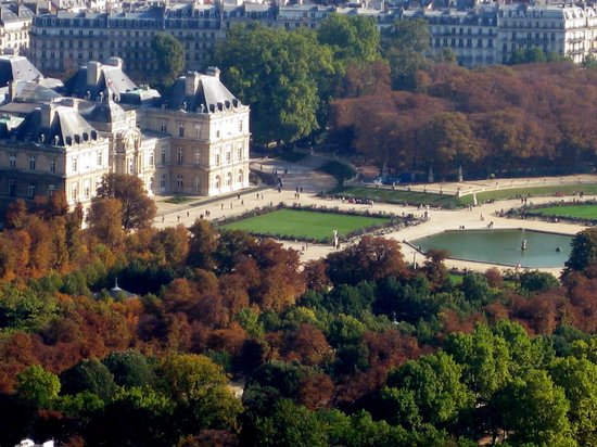 Luxembourg beehives picture of luxembourg gardens paris for Jardin du luxembourg hours