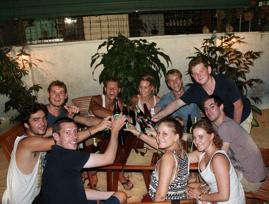 Oasis Bar & Restaurant : Chilling