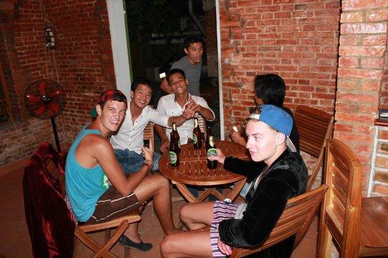 Oasis Bar & Restaurant : Relax and Enjoy
