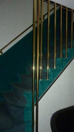 Hotel Antica Casa Carettoni : Skinny stairwell