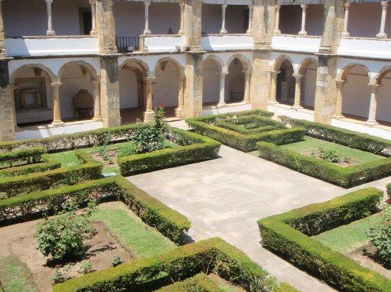 Museu Municipal de Faro: Gardens in the cloisters