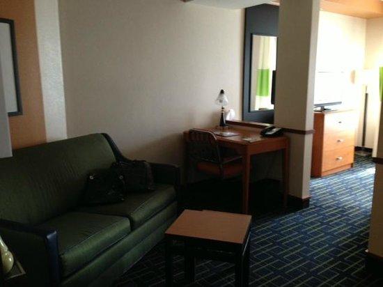 Fairfield Inn & Suites Bedford: Sitting Area