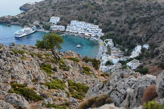 Sofia's Rooms : Loutro in the early evening hours