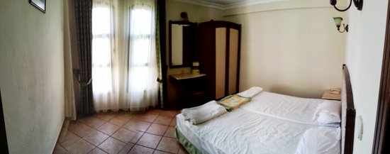 Club Turquoise: Bedroom