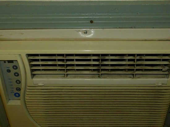 Town & Country Inn: aircondition