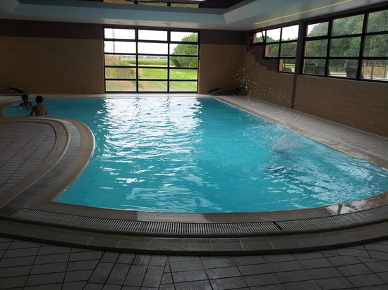 Hotel Les Alizes : La piscine