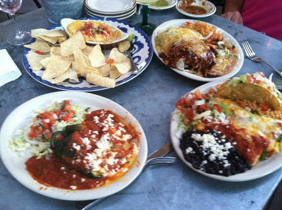 Loco Lizard Cantina: Cheese Dip and Entrees
