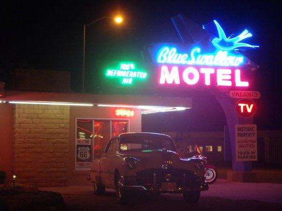 Blue Swallow Motel: July 2013