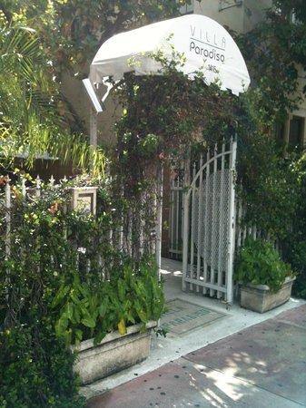 Villa Paradiso : A frente do hotel