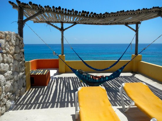 Casa Flamboyan: Daily Siesta in the rooftop hammock