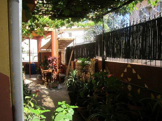 La maison du pyla b b antananarivo madagascar voir - La maison du sourcil ...